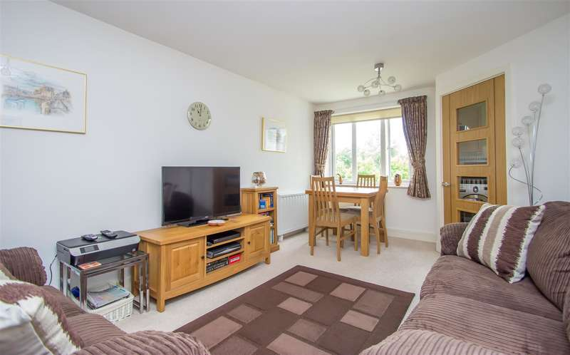 1 Bedroom Property for sale in Penlee Close, Edenbridge
