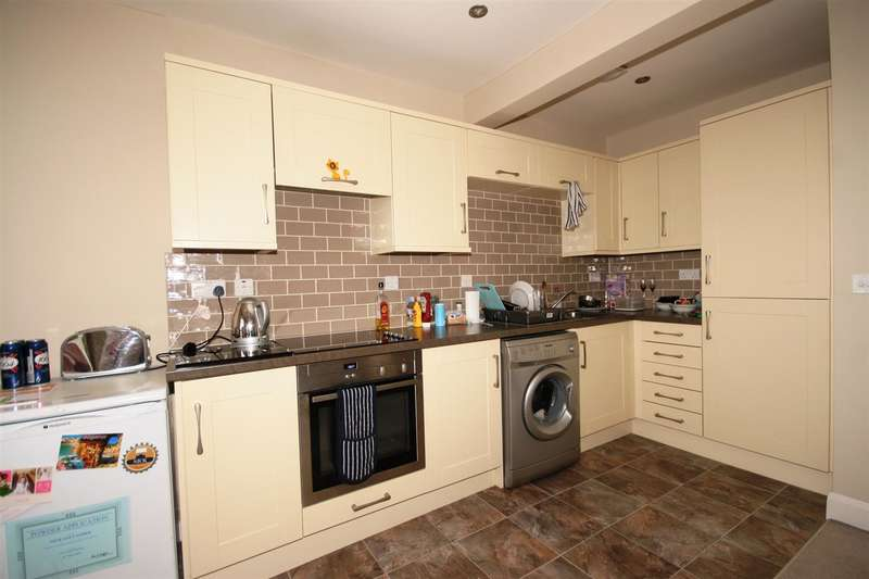 1 Bedroom Flat for sale in The Gardens, Southwick, Brighton