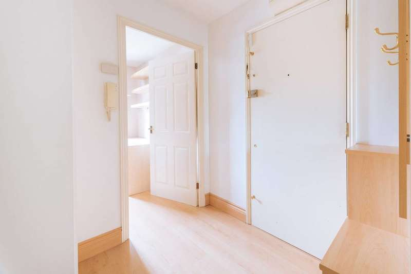 1 Bedroom Flat for sale in Upton Close, Cricklewood, NW2