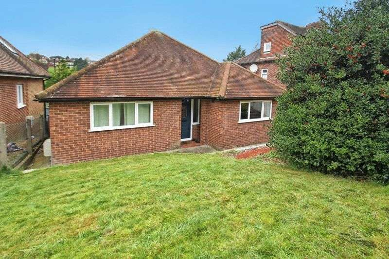 3 Bedrooms Detached Bungalow for sale in Carrington Road, High Wycombe