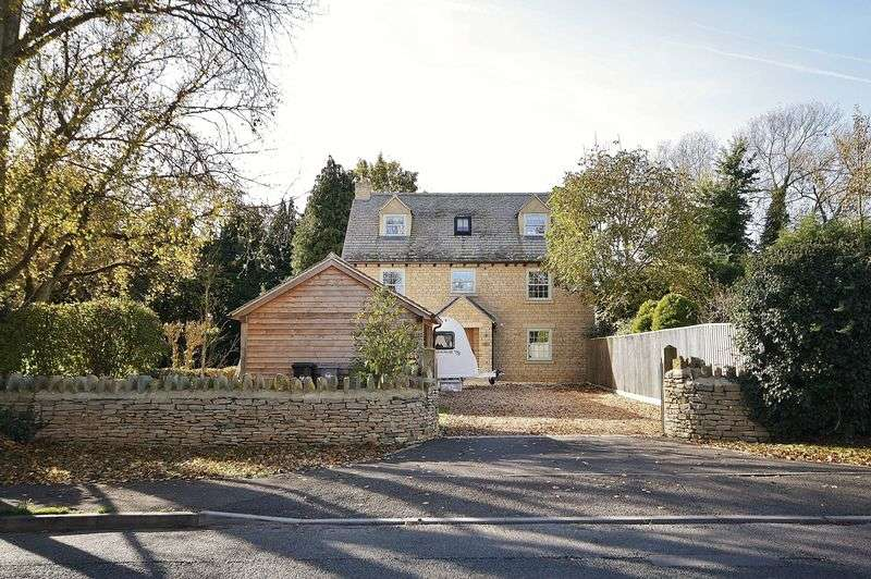 5 Bedrooms Detached House for sale in CURBRIDGE, Michaelas House, Main Road OX29 7NT