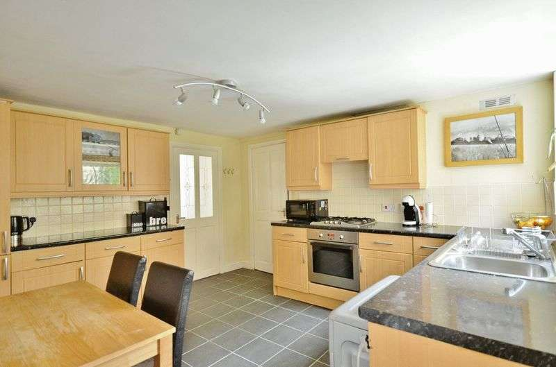 3 Bedrooms Terraced House for sale in Catherine Street, Maryport