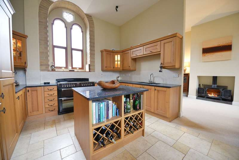 3 Bedrooms Semi Detached House for sale in St Thomas, Exeter, Devon