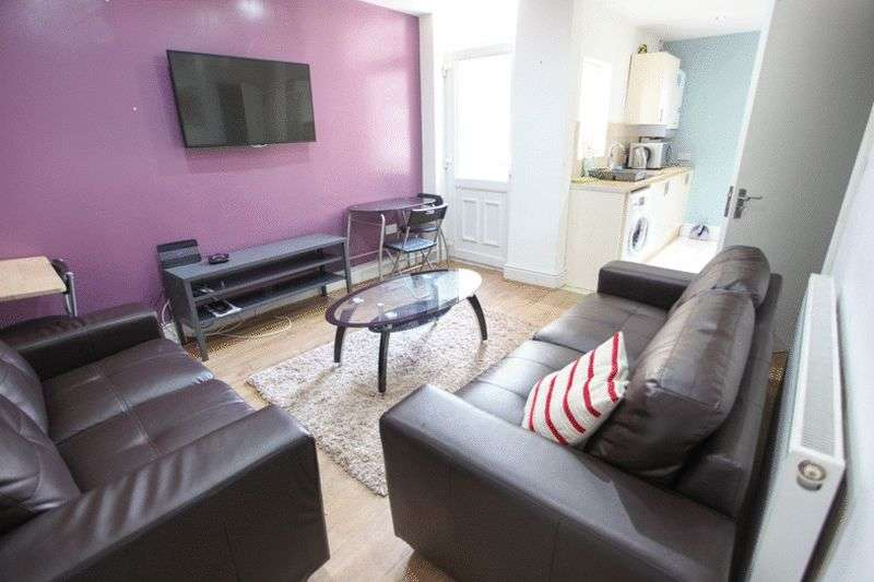 6 Bedrooms Terraced House for rent in Leopold Road, Liverpool L7 8SR (2016-17 Academic Year)