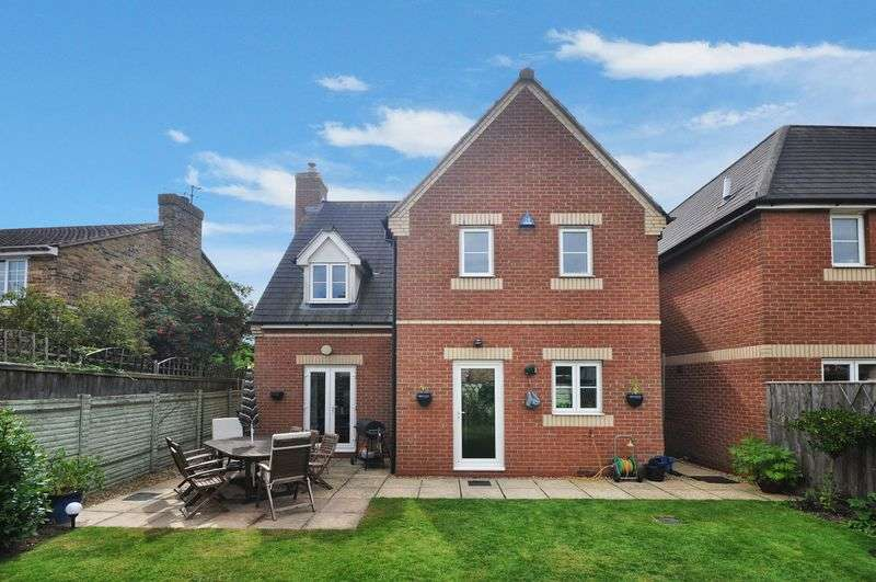 4 Bedrooms Detached House for sale in Victoria Road, Bicester