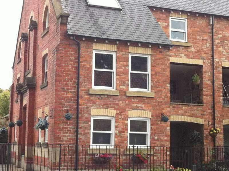 5 Bedrooms Terraced House for sale in Roxby Road, Pickering
