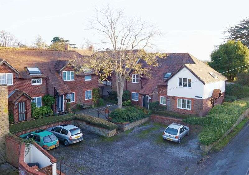 2 Bedrooms Flat for sale in Thame, Oxfordshire