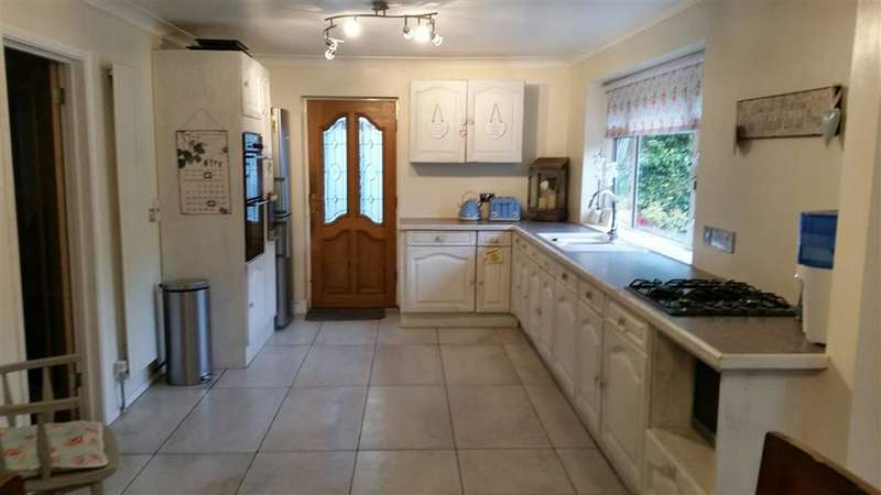 4 Bedrooms Detached House for sale in Green Court Road, Crockenhill, Nr Swanley, Kent