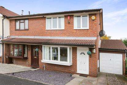 3 Bedrooms End Of Terrace House for sale in Carshalton Grove, Parkfields, Wolverhampton, West Midlands