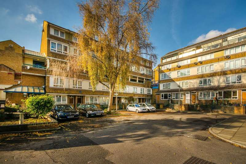 2 Bedrooms Flat for sale in Cator Street, Peckham, SE15