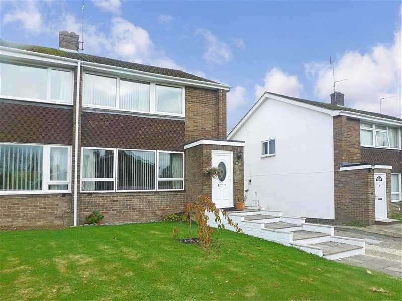 3 Bedrooms Semi Detached House for sale in Silver Lane, Billingshurst, West Sussex