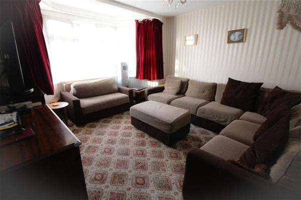 4 Bedrooms Semi Detached House for sale in Ambleside Gardens,Wembley, Middlesex,, Wembley