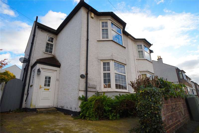 3 Bedrooms Semi Detached House for sale in Hollybush Road, Gravesend, Kent, DA12