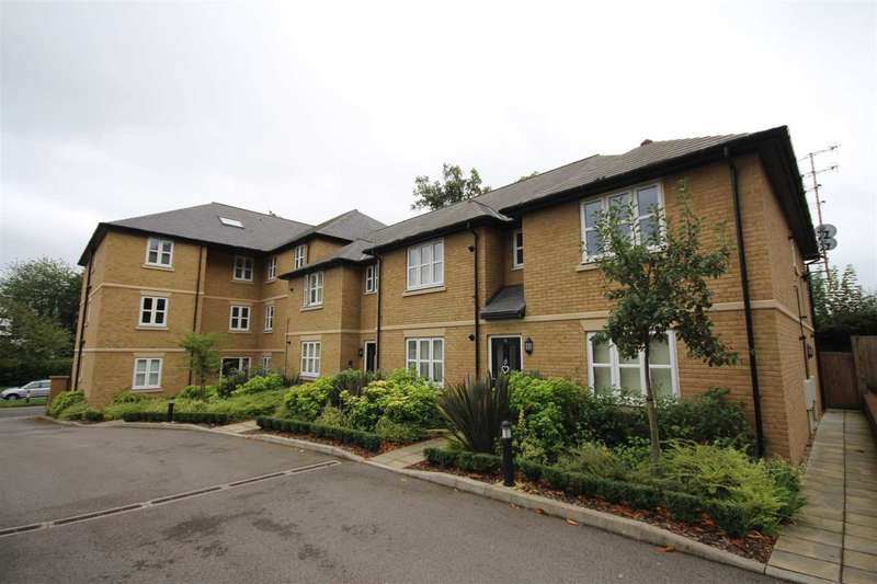 2 Bedrooms Apartment Flat for sale in Anderson Croft, Town Centre, Hemel Hempstead