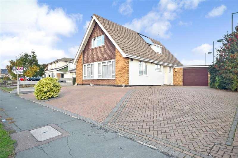 3 Bedrooms Detached House for sale in Swan Lane, Wickford, Essex