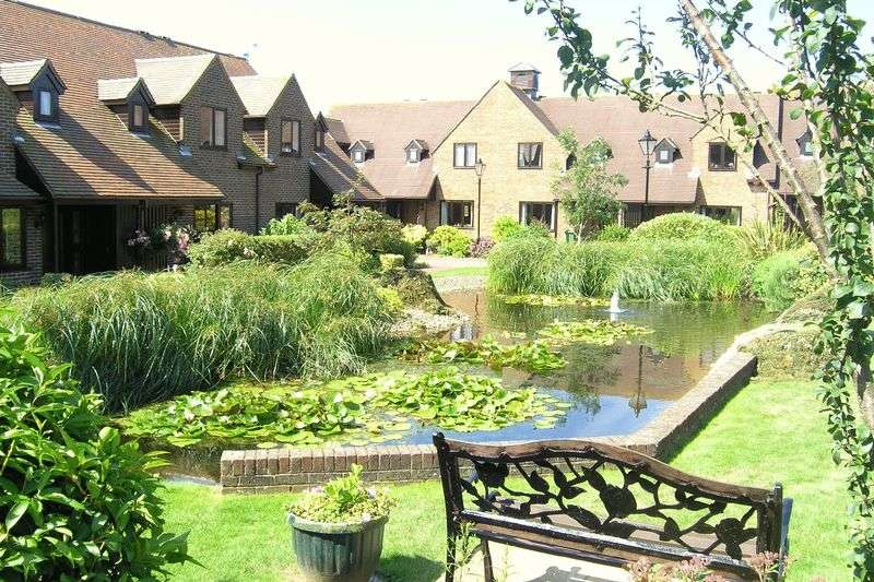 2 Bedrooms Retirement Property for sale in Courville close, Alveston, BS35 3RR