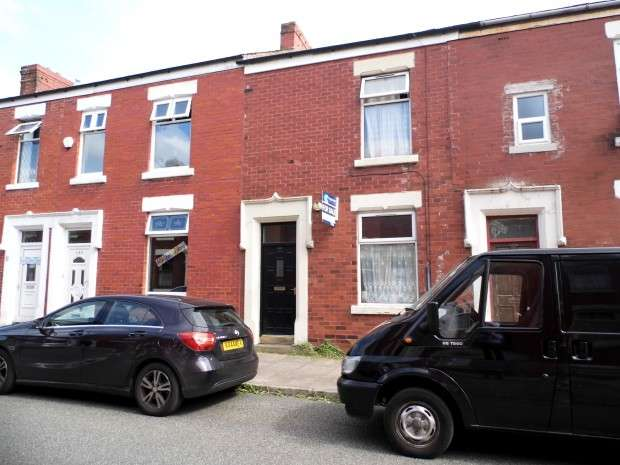 2 Bedrooms Terraced House for sale in Fletcher Road, Preston, PR1
