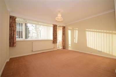 2 Bedrooms Flat for rent in Sefton Court, Fulwood, S10 3TP