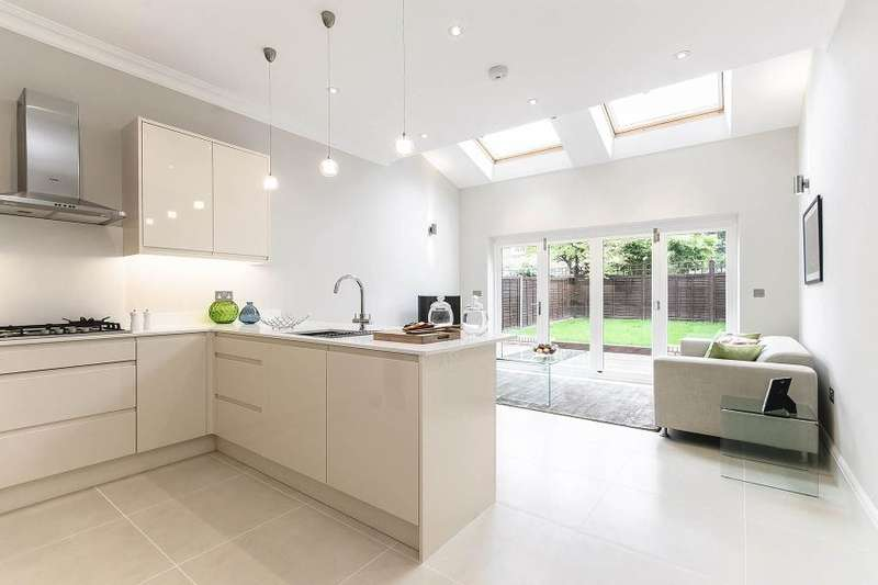 5 Bedrooms House for sale in Baldwyn Gardens, Acton W3