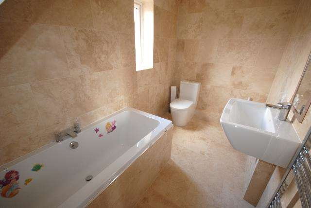 3 Bedrooms Property for sale in Duncan Place, Wigan