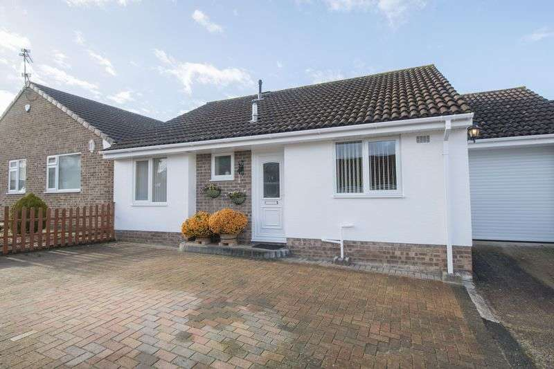 2 Bedrooms Detached Bungalow for sale in Mells Close, Bristol