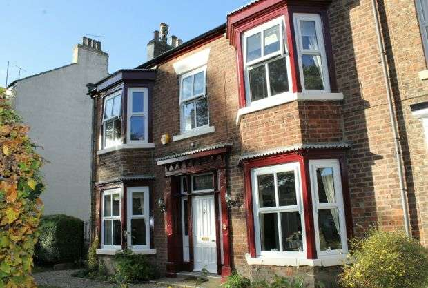 4 Bedrooms Terraced House for sale in The Red House, Albion Terrace, Guisborough