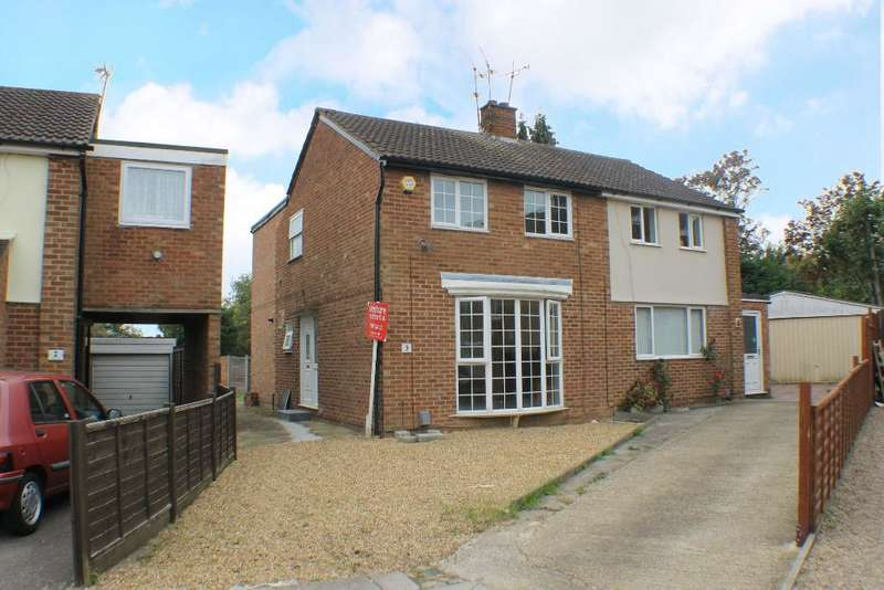 3 Bedrooms Semi Detached House for sale in Foston Close, Luton, Bedfordshire, LU3 2TT