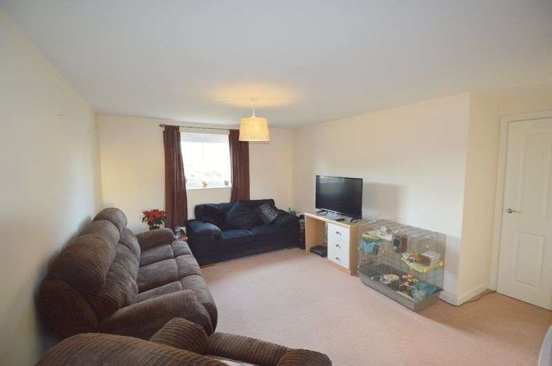 2 Bedrooms Flat for sale in Solario Road, Queens Hill, Norwich