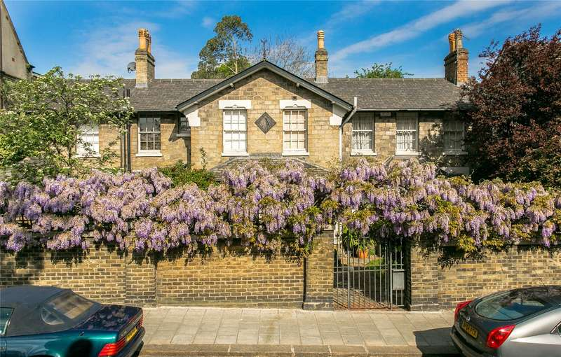 5 Bedrooms Detached House for sale in Hillside Road, London, SW2