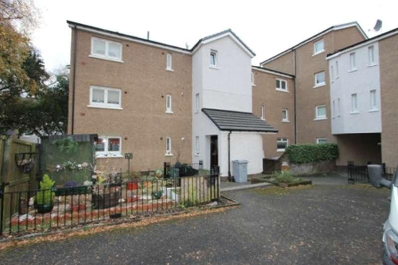 3 Bedrooms Flat for rent in Dunchattan Street, Dennistoun, Glasgow