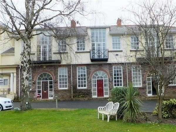 4 Bedrooms Property for sale in Huyton Hall Crescent, Huyton, Liverpool