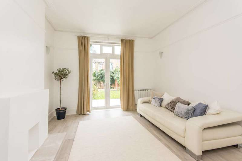 2 Bedrooms Maisonette Flat for sale in Chichele Road, Willesden Green, NW2