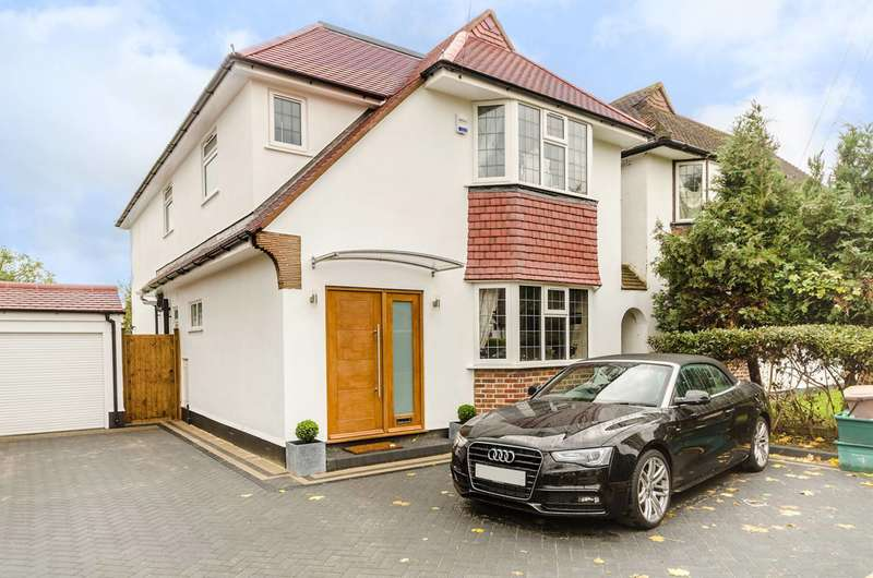 4 Bedrooms Detached House for sale in Lawrence Avenue, New Malden, KT3