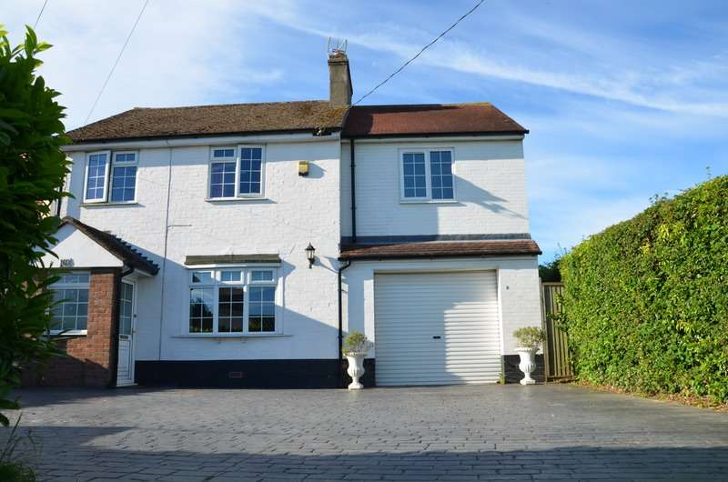 3 Bedrooms Detached House for sale in Thorpe Road, Frinton-on-Sea, Essex, CO13