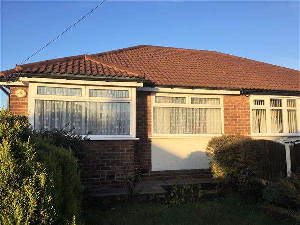 3 Bedrooms Bungalow for sale in Normanby Grove, Manchester