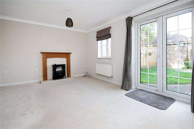 4 Bedrooms Terraced House for sale in Beech Way, Bramley Green, Angmering, West Sussex, BN16