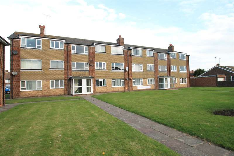 2 Bedrooms Apartment Flat for sale in Fitzroy Court, St Marys Close, Littlehampton, BN17