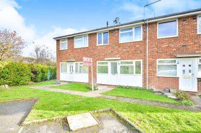 1 Bedroom Maisonette Flat for sale in Brookside Close, Old Stratford, Milton Keynes, Bucks
