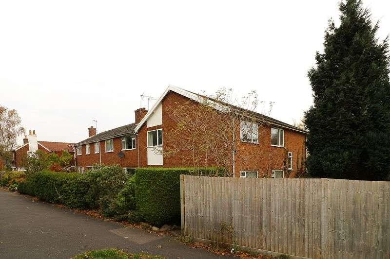 3 Bedrooms Flat for sale in Hastings Road, Pembury, Tunbridge Wells