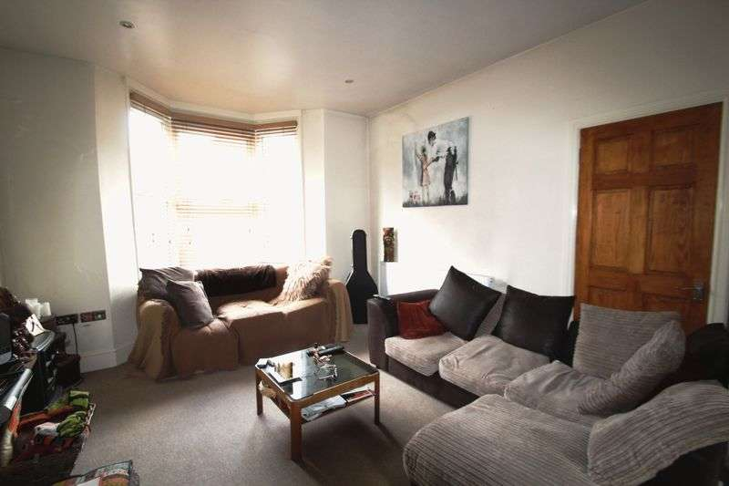 3 Bedrooms Semi Detached House for sale in Daniel Street, Ryde