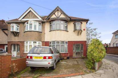 3 Bedrooms Semi Detached House for sale in Kenton Avenue, Southall, Middlesex