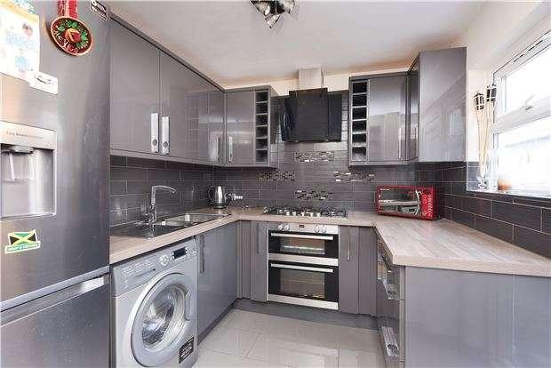2 Bedrooms Flat for sale in Ferrers Road, LONDON, SW16