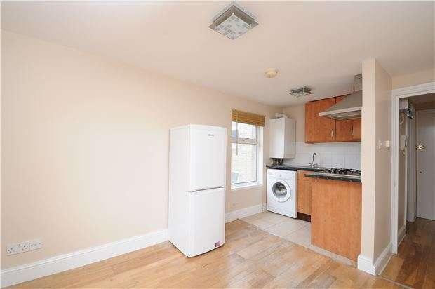Studio Flat for sale in Ferrers Road, LONDON, SW16
