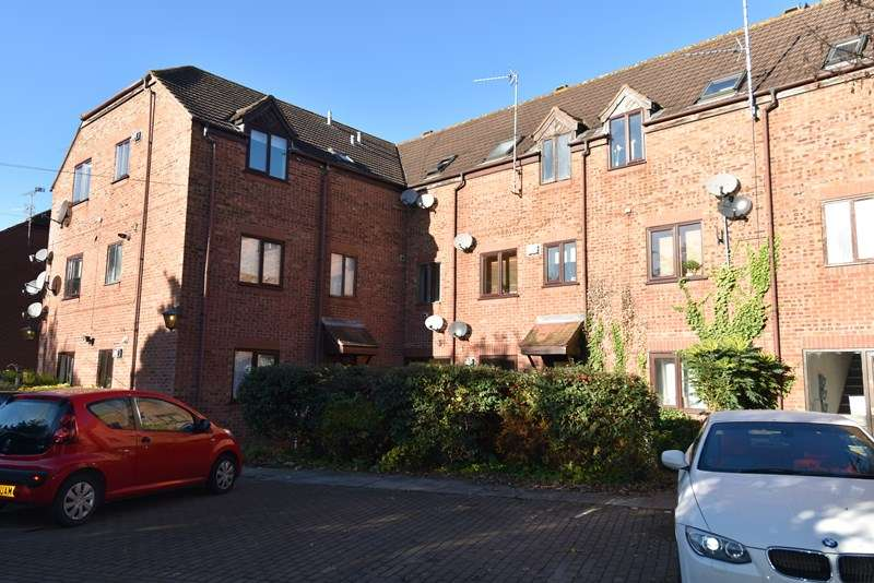 2 Bedrooms Flat for sale in Acre Lane, Droitwich