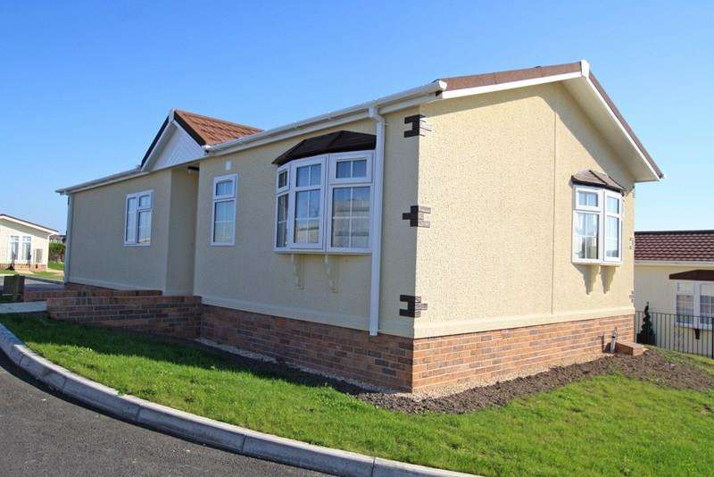 2 Bedrooms Mobile Home for sale in Superb Park Homes in Swanage