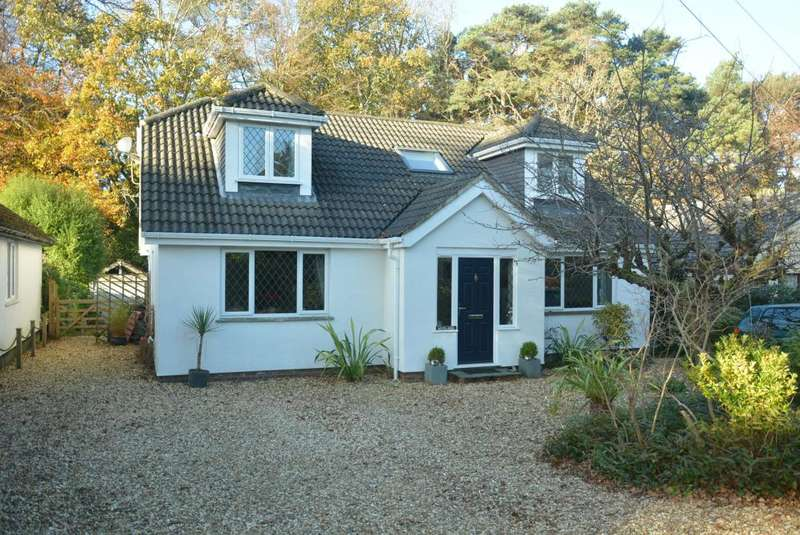 4 Bedrooms House for sale in Woodlands, Haslop Rpad, Colehill, Wimborne, BH21 2SG