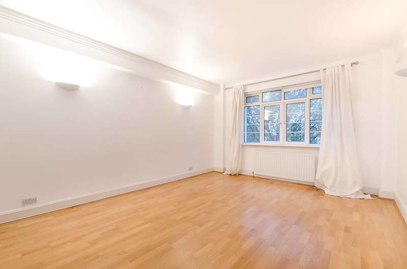 3 Bedrooms Flat for sale in Pembroke Road, Earls Court, W8