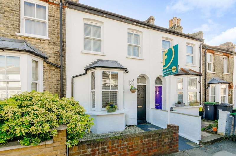 2 Bedrooms House for sale in Warberry Road, Wood Green, N22