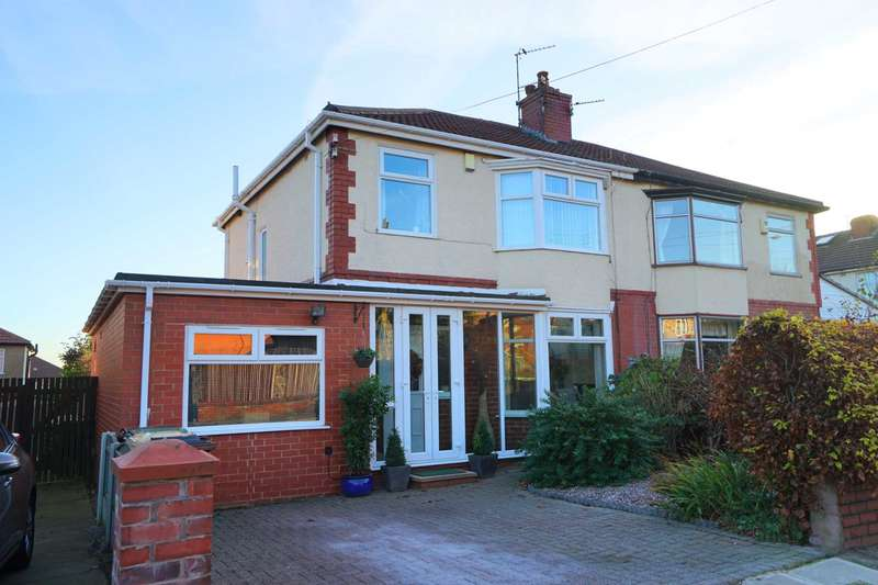 4 Bedrooms Semi Detached House for sale in Wilmslow Ave, Astley Bridge