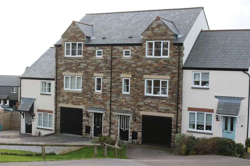 4 Bedrooms Terraced House for sale in Hilda Row, St. Austell